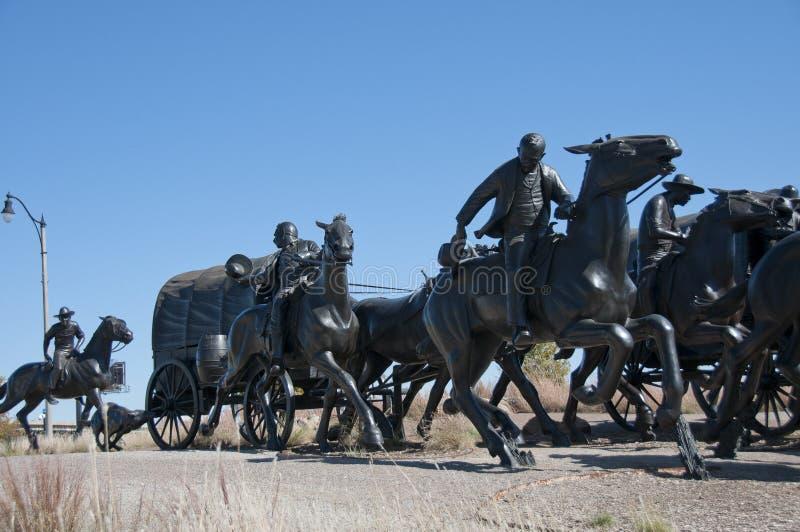 Monumento centenário do funcionamento da terra imagens de stock
