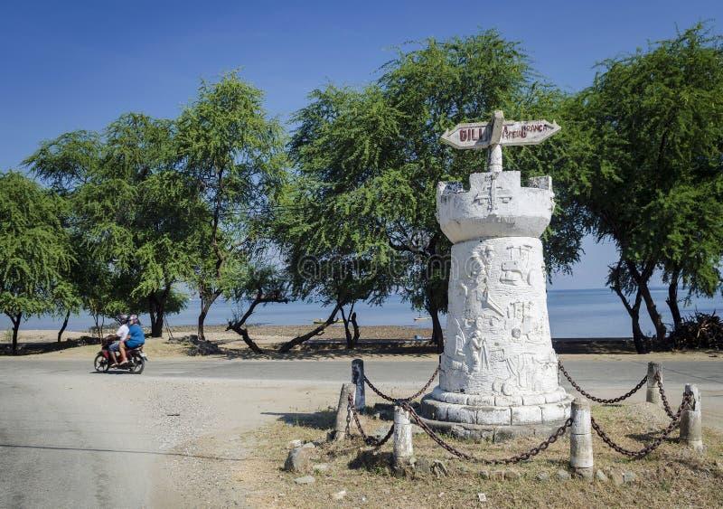 Monumento colonial português velho do sinal de estrada em dili Timor-Leste fotografia de stock