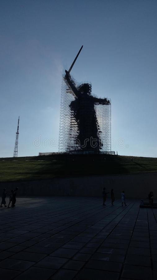 Monumento-conjunto de la reconstrucción a los héroes de Stalingrad las llamadas de la patria imagen de archivo