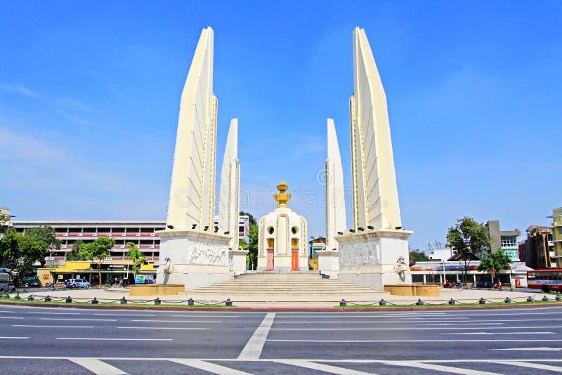 Monumento da democracia, Banguecoque, Tailândia imagens de stock