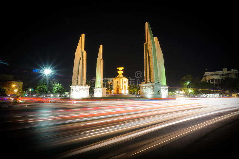 Monumento da democracia, Banguecoque, Tailândia fotos de stock