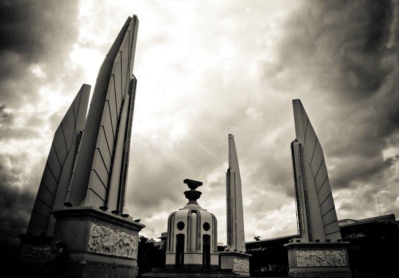 Monumento da democracia de Banguecoque fotografia de stock