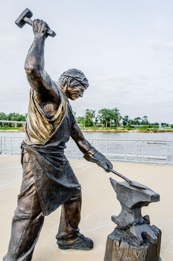 Monumento da escultura Labor do ferreiro imagens de stock royalty free