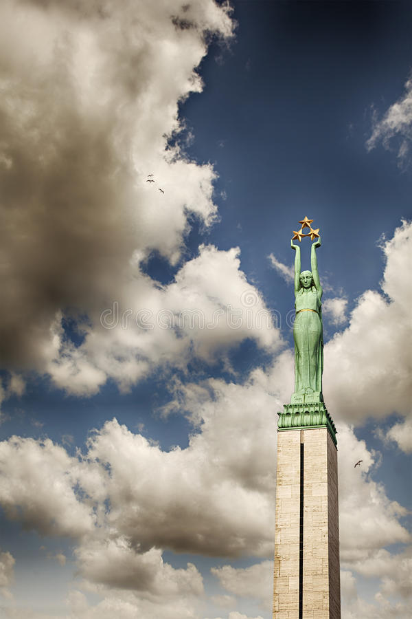 Monumento da liberdade de Riga foto de stock