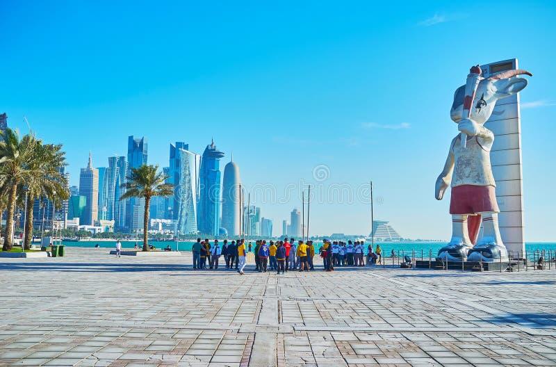 Monumento da mascote dos Jogos Asiáticos em Doha, Catar fotografia de stock