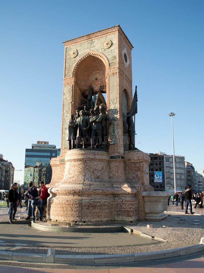 Monumento da república do quadrado de Taksim foto de stock