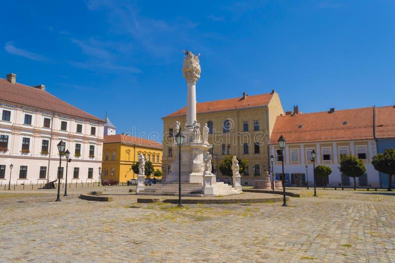 Monumento da trindade santamente no quadrado principal em Osijek imagens de stock royalty free