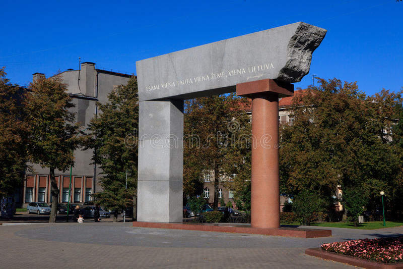 Monumento de Arka em Klaipeda imagens de stock