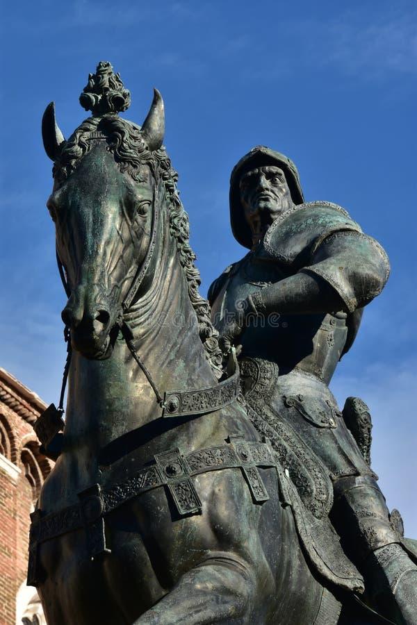 Monumento de Bartolomeo Colleoni, gran condottiero del renacimiento imágenes de archivo libres de regalías