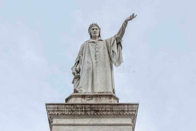 Monumento de Dante en Nápoles imagenes de archivo