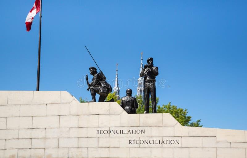 Monumento de guerra canadiense en Ottawa Ontario Canadá foto de archivo libre de regalías