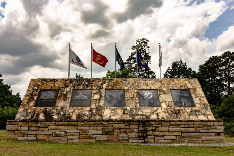 Monumento de guerra del condado de Etowah fotos de archivo