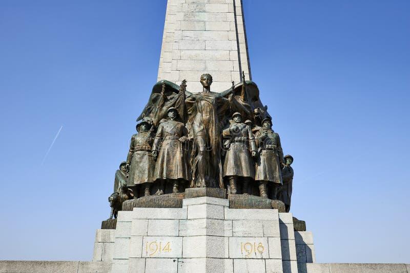 Monumento de guerra en el cuadrado de Poelaert en Bruselas foto de archivo libre de regalías