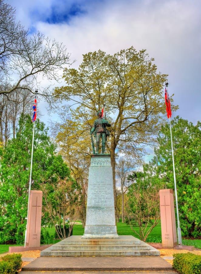 Monumento de guerra en la reina Victoria Park - Niagara Falls, Canadá imágenes de archivo libres de regalías