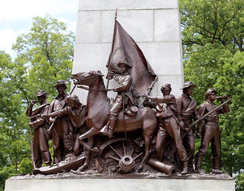 Monumento de guerra en los campos de batalla de gettysburg imagen de archivo libre de regalías
