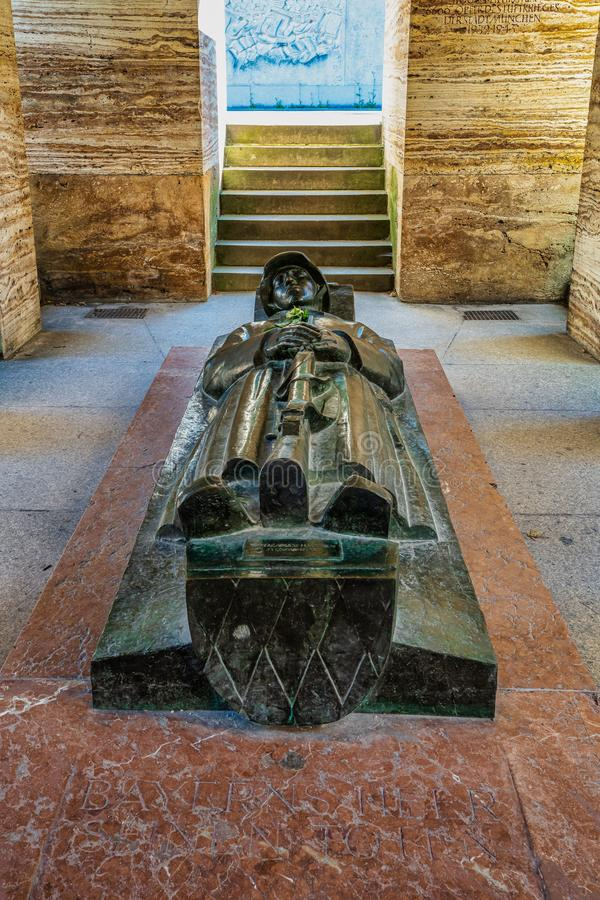 Monumento de guerra famoso en el jardín de la corte en Munich, Alemania fotos de archivo libres de regalías