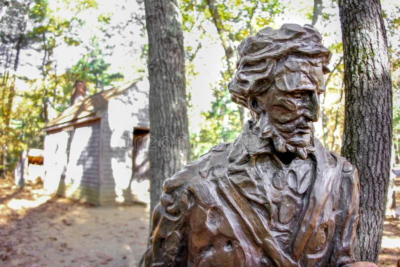 Monumento de Henry David Thoreau en Walden Pond fotografía de archivo