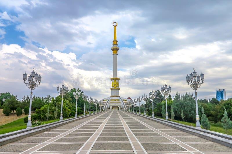 Monumento 05 de la independencia de Asjabad fotos de archivo libres de regalías