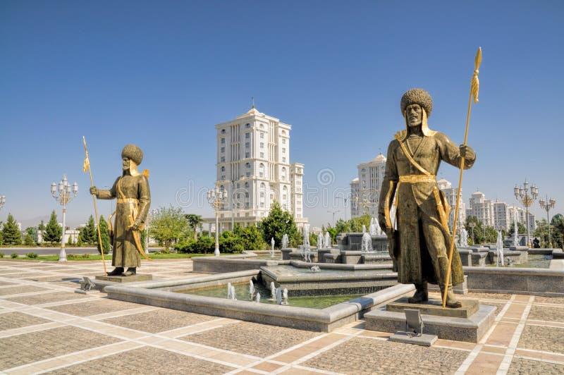 Monumento de la independencia en Asjabad imágenes de archivo libres de regalías