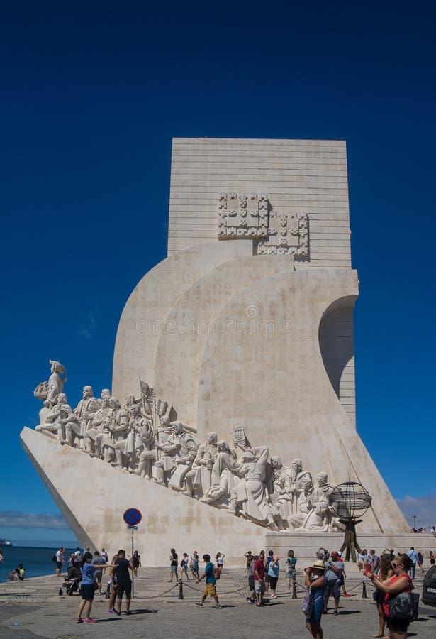 Monumento de la señal de los descubrimientos en Europa fotos de archivo