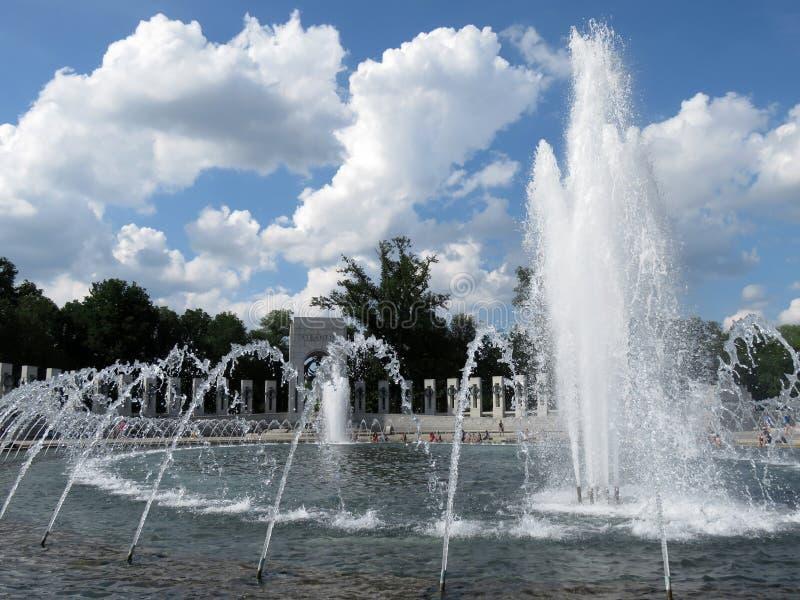 Monumento de la Segunda Guerra Mundial en un día bonito imagen de archivo libre de regalías