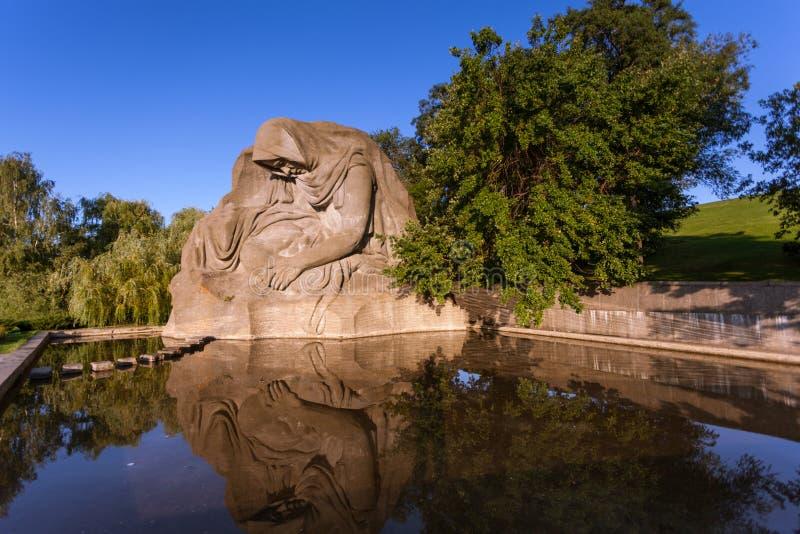 Monumento de la Segunda Guerra Mundial en Volgorad (Stalingrad anterior), Rusia imagen de archivo libre de regalías
