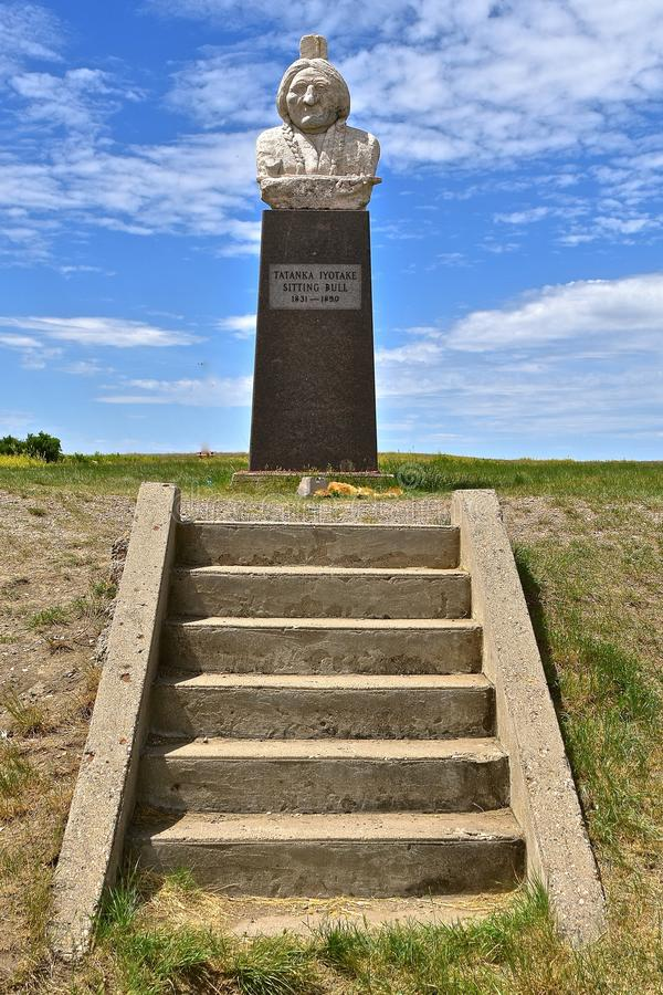 Monumento de la sentada india Bull del cacique imagenes de archivo