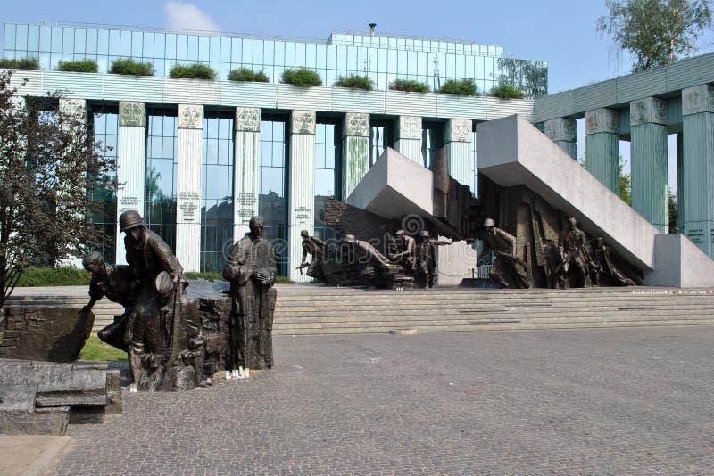 Monumento de la sublevación de Varsovia y Tribunal Supremo fotos de archivo libres de regalías