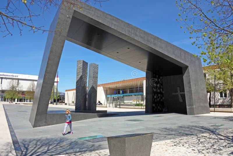 Monumento de la victoria croata en Knin fotos de archivo