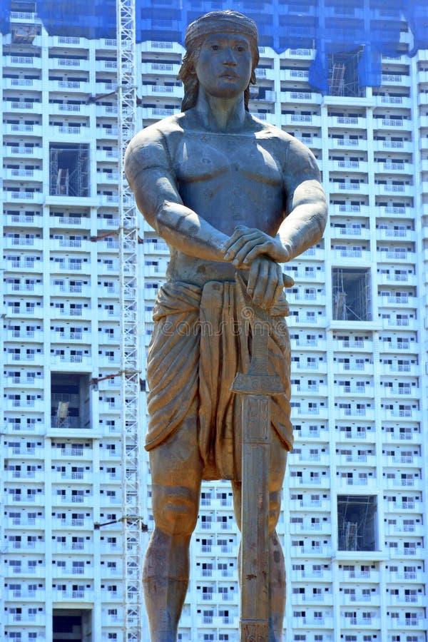 Monumento de Lapu-Lapu en el parque de Rizal, Manila, Filipinas fotografía de archivo