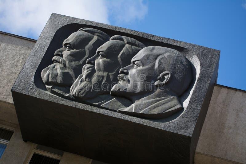 Monumento de Lenin, de marcas e de Engels imagens de stock royalty free