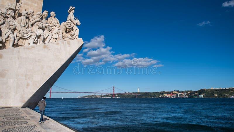 Monumento de los descubrimientos en Lisboa imagen de archivo