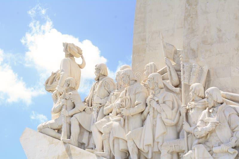 Monumento de los descubrimientos en Lisboa fotografía de archivo