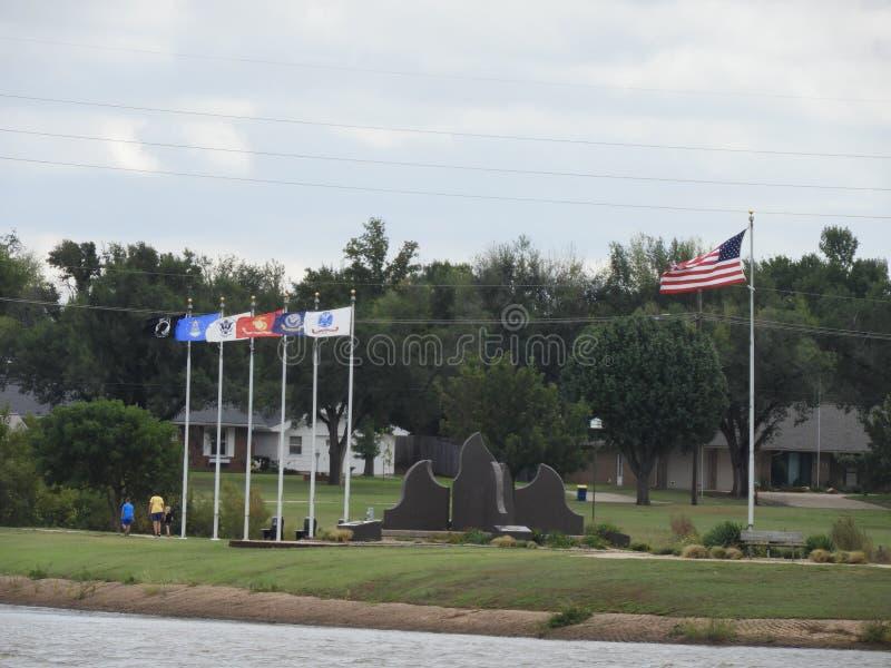 Monumento de los veteranos que honra servicio militar foto de archivo libre de regalías