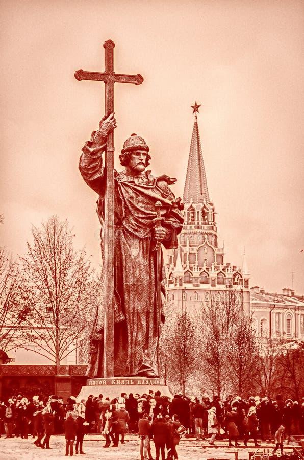 Monumento de Moscú a príncipe Vladimir imagenes de archivo