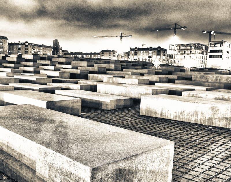 Monumento de Olocaust en Berlín en la noche, Alemania imágenes de archivo libres de regalías