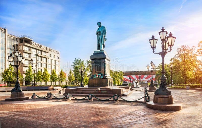 Monumento de Pushkin em Moscovo fotografia de stock