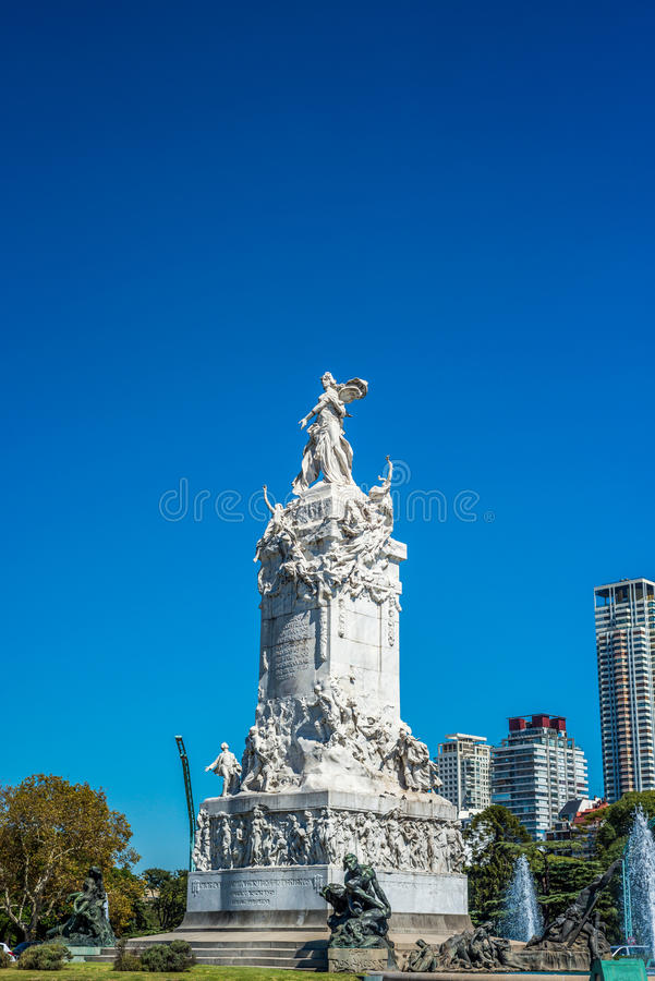 Monumento de quatro regiões em Buenos Aires, Argentina foto de stock royalty free