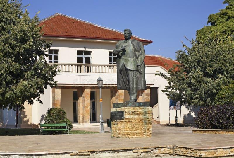 Monumento de Sava Mihaylov em Gevgelija macedonia imagens de stock royalty free