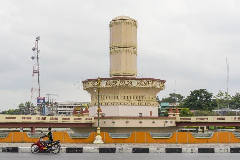 Monumento de Sra Kaew Circle em Lopburi foto de stock royalty free