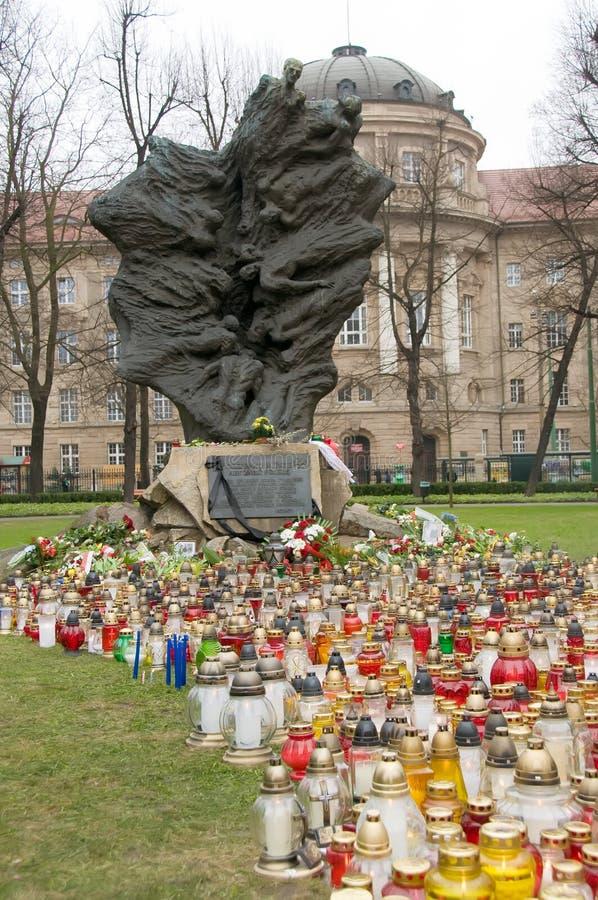 Monumento de vítimas de Katyn em Poznan imagens de stock royalty free