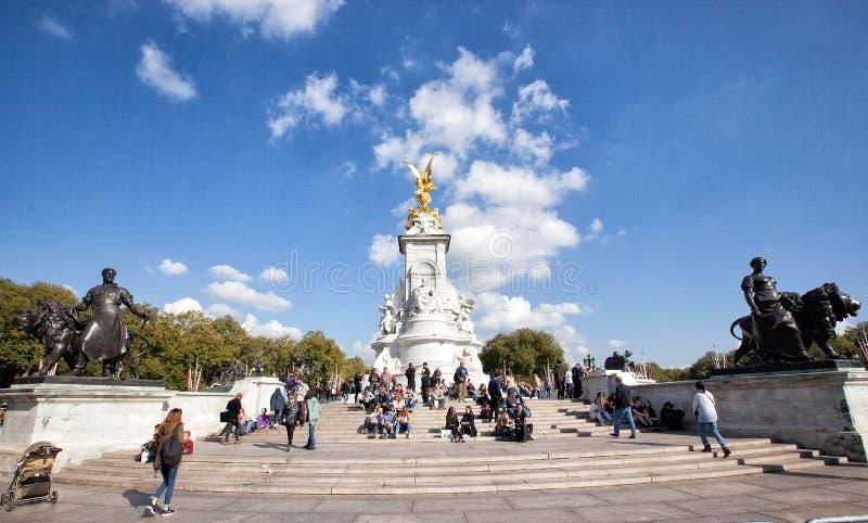 Monumento de Victoria, Buckingham Palace, Londres fotos de archivo libres de regalías