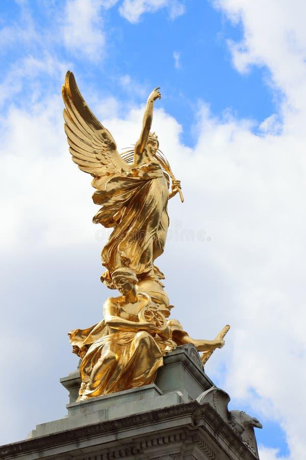 Monumento de Victoria el círculo de oro imagen de archivo libre de regalías