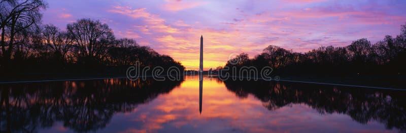 Monumento de Washington en la salida del sol imágenes de archivo libres de regalías