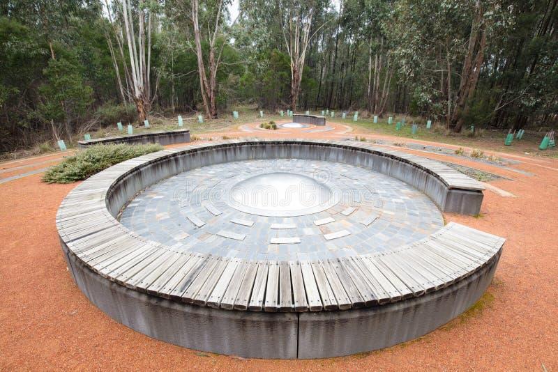 Monumento del Bushfire de la comunidad de Strathewen foto de archivo