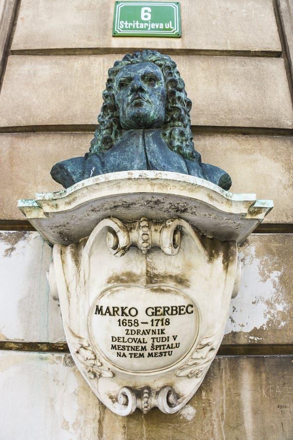 Monumento del busto del médico del siglo XVII Marko Gerbec imagen de archivo