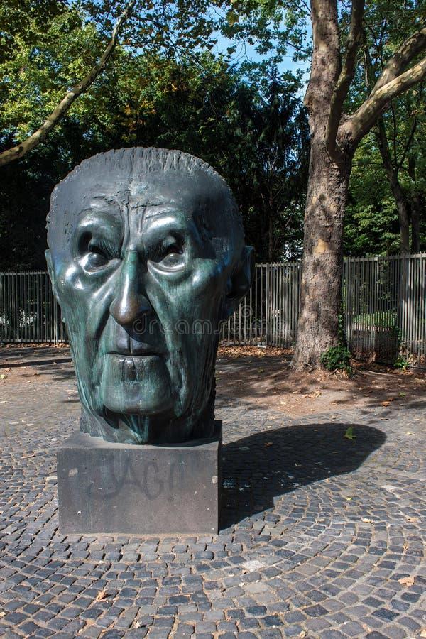 Monumento del canciller alemán Adenauer foto de archivo