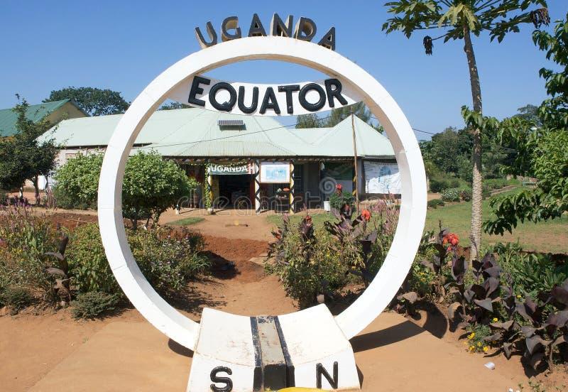 Monumento del ecuador de Uganda imagenes de archivo