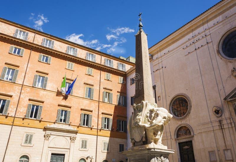 Monumento del elefante en Roma fotos de archivo libres de regalías