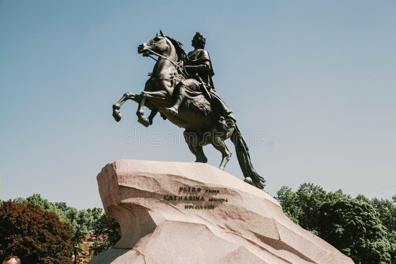 Monumento del emperador ruso Peter el grande, conocido como el jinete de bronce, St Petersburg, Rusia imagen de archivo